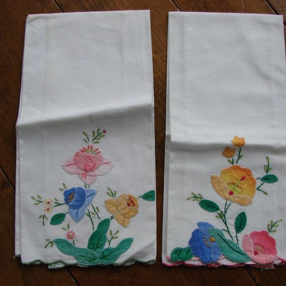 2 Vintage Floral Cotton Napkins ~ New Without Tags